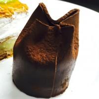 Pañuelo de chocolate y menta.